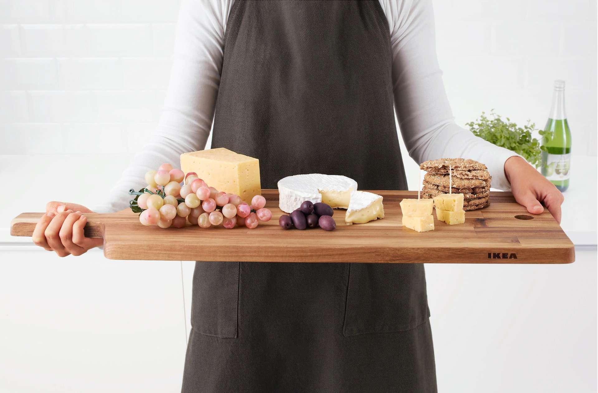 Красивая сервировка: кухонная доска Икея