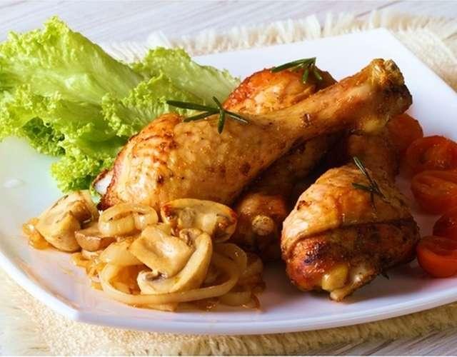 Курица жареная с грибами